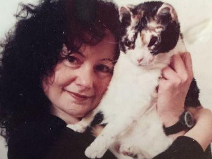 Karen Wellen con Scarlett, en una imagen de su Facebook.