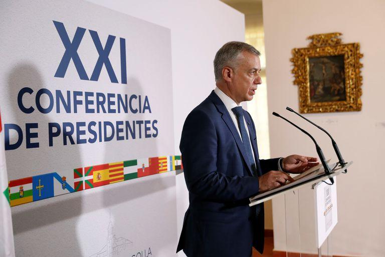 El lehendakari en funciones, Iñigo Urkullu,  durante la rueda de prensa tras la Conferencia de Presidentes el pasado viernes.