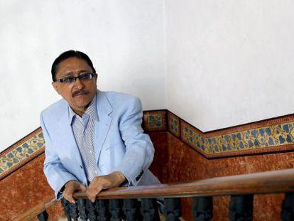 El periodista mexicano Sergio González Rodríguez, tras ganar el XLII Premio Anagrama de ensayo.