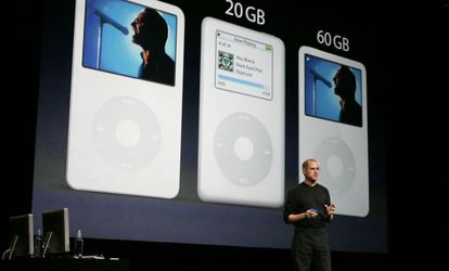 """""""En lo que va del siglo XXI la divinidad hasta ahora más considerable ha sido Steve Jobs"""" (en la imagen en 2005)"""