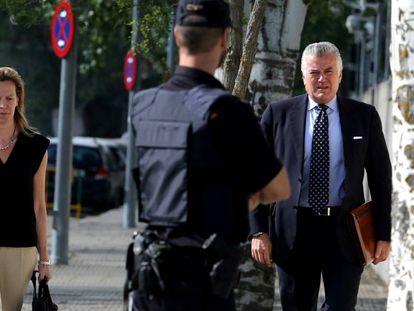 Luis Barcenas, a su llegada para declarar en la Audiencia Nacional por el caso Gürtel.