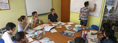 Clase de español para extranjeros en una academia Enforex de Madrid.