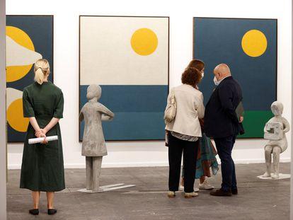 Arco inauguró este miércoles su 40ª edición. La feria de arte contemporáneo, que se prolongará hasta el próximo domingo, espera recibir una fuerte presencia internacional a pesar de las restricciones con motivo del Covid.