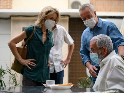 Silvia Abascal, Carlos Hipólito e Imanol Arias, en 'Cuéntame'.