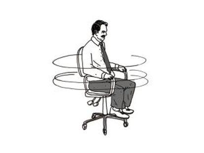 Número 62: dar vueltas sin razón con una silla de oficina.