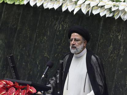 Ebrahim Raisí tras prestar juramento como presidente en una ceremonia celebrada en el Parlamento.