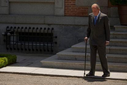 Juan Carlos I, ante el palacio de la Zarzuela el 9 de junio de 2014, sus últimos días como rey.