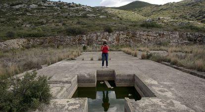Restos de las instalaciones donde se hicieron las prospecciones en La Salzadella.