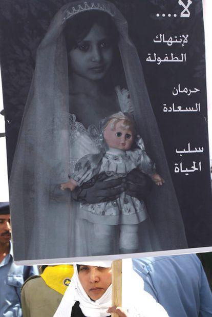 Protesta en Yemen tras la muerte de una menor recién casada.