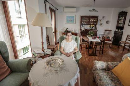 Antònia Andaní en su casa de Palma de Mallorca.
