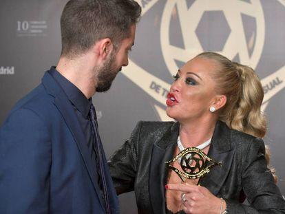 David Broncano y Belén Esteban, en los premios Iris de la Academia de la Televisión.