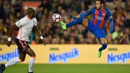 El Barça vence al Valencia en el Camp Nou