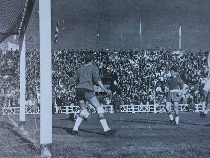 Rodilla, del Valladoild, celebra el gol que mandaba al Espanyol a Segunda.