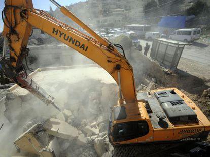 Demolición de una casa árabe en Jerusalén oriental.