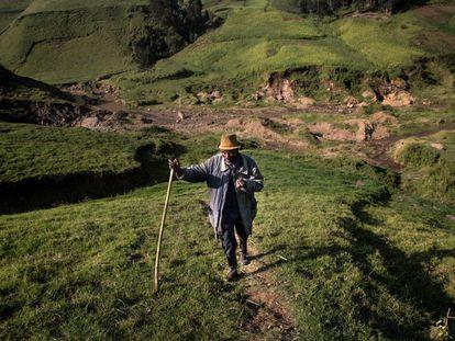 Para llegar a la mina de Birambo hay que andar más de tres horas desde Ngungu, el pueblo más cercano.
