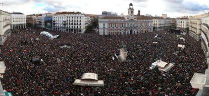 Panóramica de la Puerta del Sol, al final de la marcha.