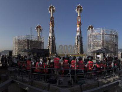 Cuando se termine en 2002 convertirá a la basílica en el edificio más alto de Barcelona con 172,5 metros de altura
