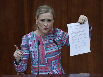 Cristina Cifuentes, en su comparecencia en al Asamblea de Madrid. En vídeo, Cifuentes irá a juicio por el caso máster.