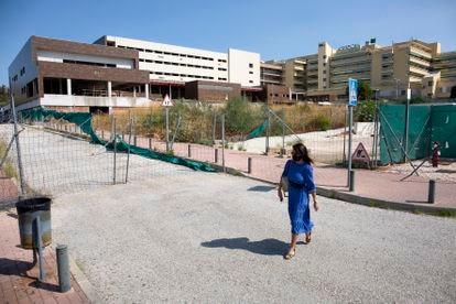 Obras de ampliación sin terminar del hospital Costa del Sol, en Marbella.