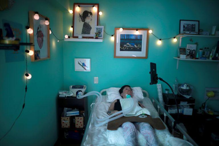 Ana Estrada, psicóloga peruana de 43 años que padece una grave enfermedad degenerativa.