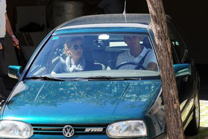 La infanta Cristina y su marido, Iñaki Urdangarin, en el coche de soltera de la hija menor de los Reyes.