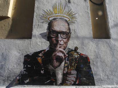 Un grafiti de Harrygrebdesign, en homenaje a Morricone, en el barrio romano de Trastévere.