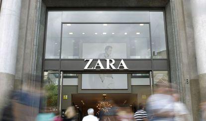 Entrada de un establecimiento de Zara en Barcelona.