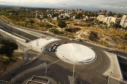 Rotonda con 19 semáforos, sobre la M-30 de Madrid.