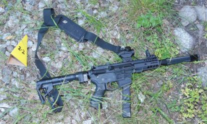 Rifle con silenciador confiscado durante el arresto de Steven Carrillo, el 6 de junio de 2020 en Ben Lomond, California.
