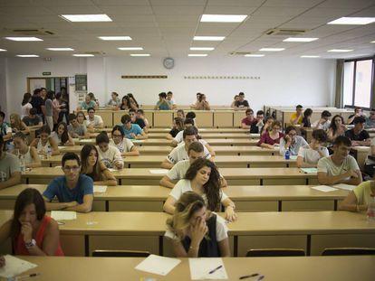 Exámenes de selectividad en Sevilla, el 13 de septiembre.