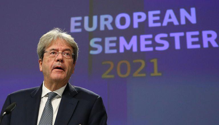El comisario de Economía, Paolo Gentiloni, en la rueda de prensa de valoración de los presupuestos nacionales.
