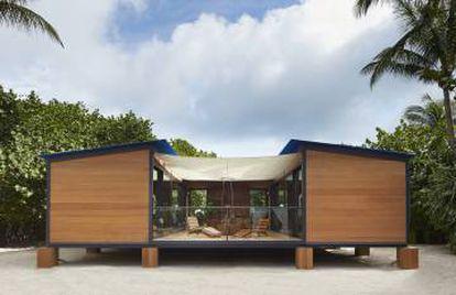 <em>La Maison au Bord de l'Eau</em> (casa junto al agua) diseñada por Charlotte Perriand nunca vio la luz hasta 2013, cuando Luois Vuitton la reprodujo con motivo del Miami Design Festival. |