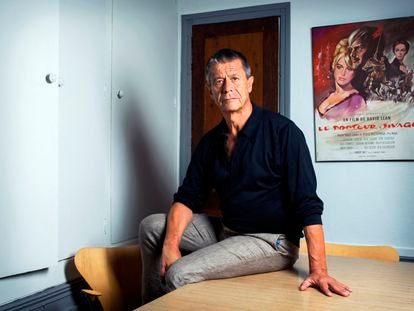 French writer Emmanuel Carrère at home in Paris on August 25, 2020.Photo Damien Grenon,Image: 555666011, License: Rights-managed, Restrictions: ModelRelease:NO, Model Release: no, Credit line: Damien Grenon / AFP / ContactoPhoto