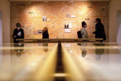 La última exposición celebrada en la Fundación Joan Miró sobre la relación del grupo ADLAN y el pintor.