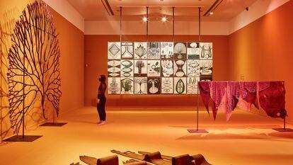 Una de las salas de la exposición 'Un encuentro vegetal' en La Casa Encendida.