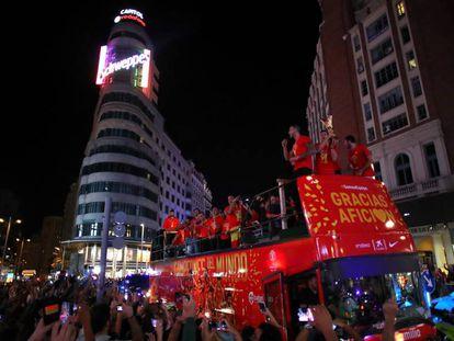 El combinado nacional recorre este lunes las calles de Madrid.