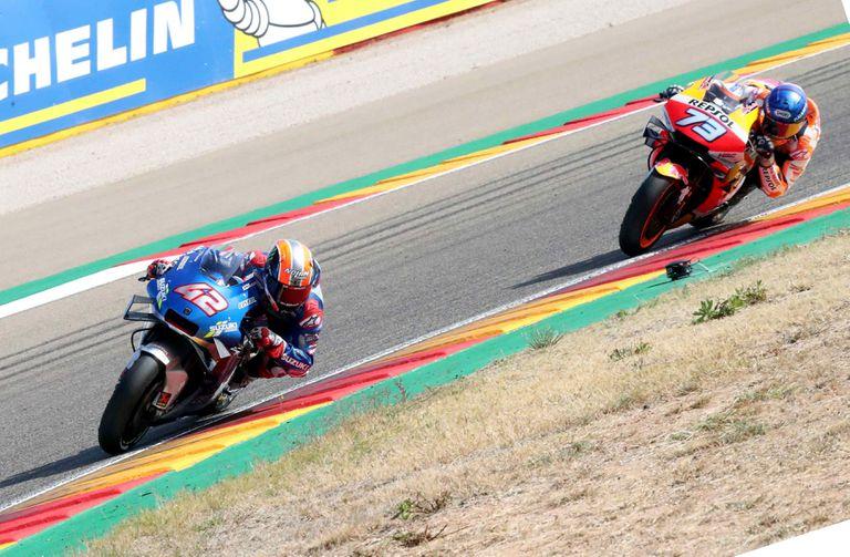 Alex Rins, en primer lugar, seguido por Alex Márquez en el GP de Aragón.
