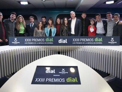 Galardonados, presentadores y organizadores de los Premios Cadena Dial.