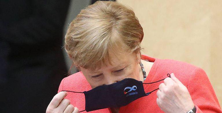 La canciller alemana, Angela Merkel, antes de pronunciar un discurso en el Parlamento alemán, en Berlín.