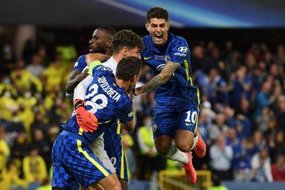 Los jugadores del Chelsea celebran con Kepa el triunfo en la tanda de penaltis ante el Villarreal.