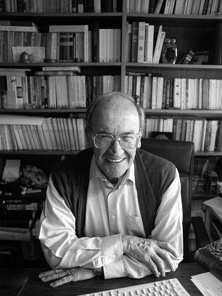 Miguel Artola, en una imagen de 1999.