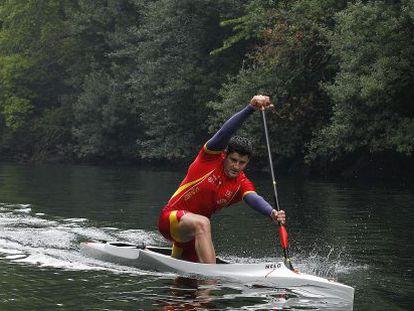 David Cal se entrena en el río Lérez, en Pontevedra.