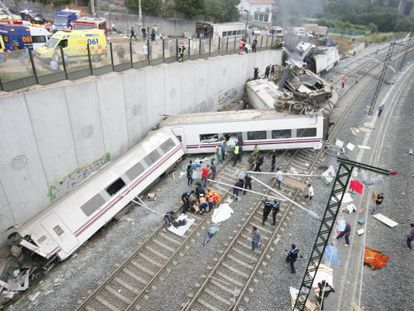 Tren Alvia accidentado en Santiago