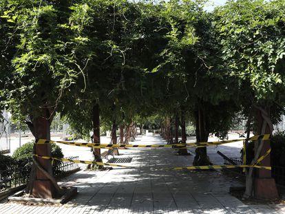 Vista del Parque Los Mosquitos en Ciudad Lineal, que permanece cerrado.