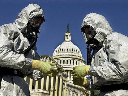 Soldados de EE UU realizan un simulacro de ataque bioterrorista en Washington, en una imagen de archivo.