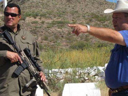 El actor Steven Seagal, en una patrulla contra la inmigración ilegal.
