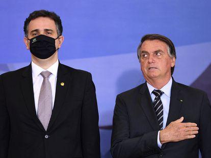 Bolsonaro el 14 de septiembre en una ceremonia en Brasilia junto al presidente del Senado,  Rodrigo Pacheco.