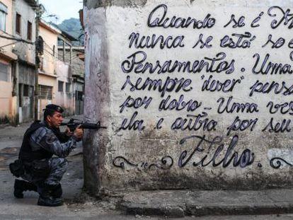 Despliegue policial en la zona oeste de Río el pasado 13 de marzo.
