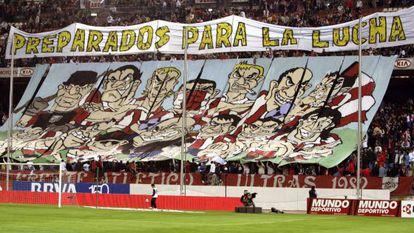 Pancarta del Frente Atlético en el Calderón.