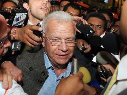 Andrés Granier, al llegar al aeropuerto del DF